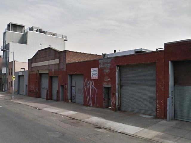 880 Metropolitan Avenue