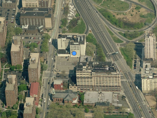 213 Jay Street, before the demolition of No. 199; overhead shot from Bing Maps