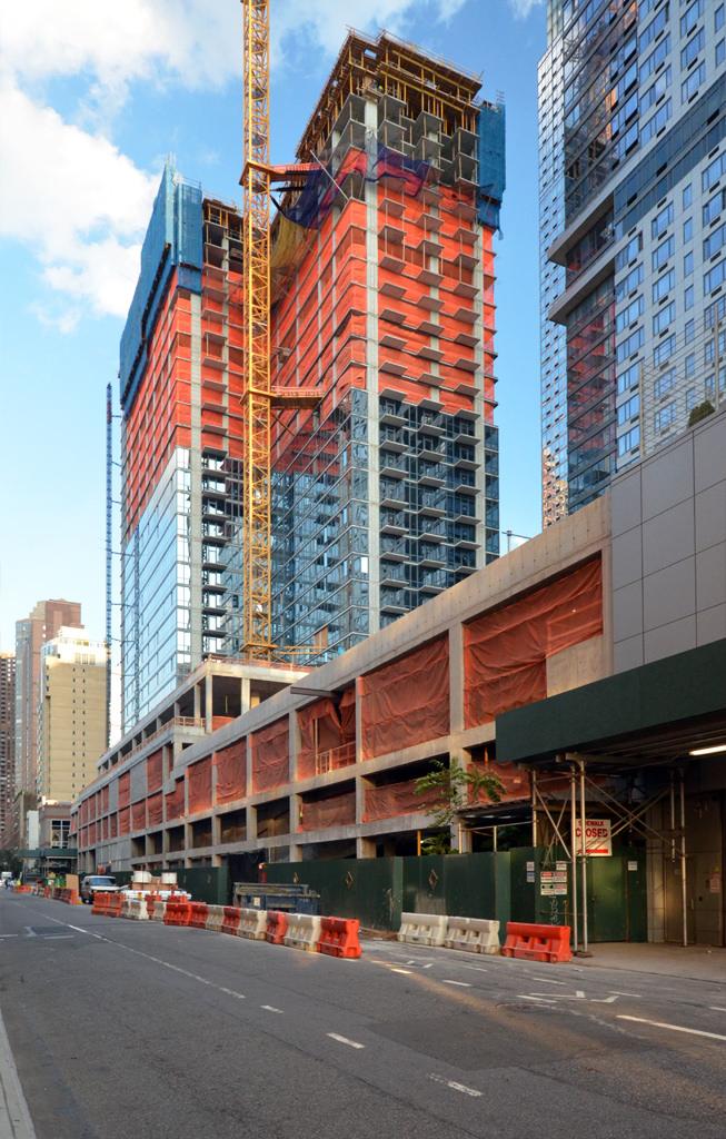 "605 West 42nd Street, by <a href=""http://www.yimbyforums.com/t/new-york-605-west-42nd-st-656-ft-60-floors/253/7"">Tectonic</a>"