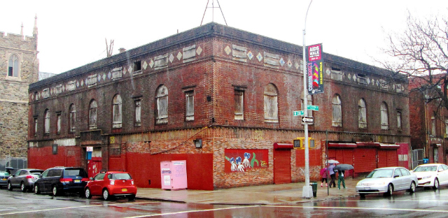 "Harlem Renaissance Ballroom, image from <a href=""http://commons.wikimedia.org/wiki/File:Renaissance_complex_Casino_and_Ballroom.jpg"">Wikimedia Commons</a>"