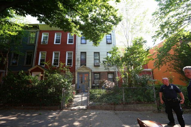 http://kirbysommers.blogspot.com/2014/10/mayor-bill-deblasio-house-in-park-slope.html