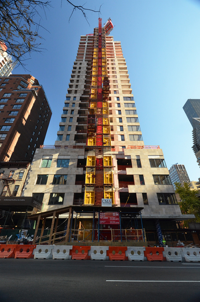 "301 West 50th Street, image by <a href=""http://www.yimbyforums.com/t/new-york-301-303-east-50th-st-342-ft-29-floors/82/11"">Tectonic</a>"