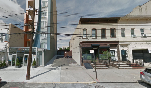 39-08 29th Street (vacant lot and building to the right), image from Google Maps