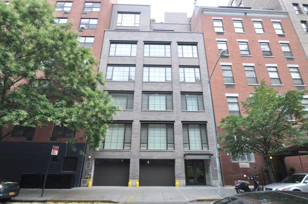 """316 East 22nd Street, image by <a href=""""http://www.propertyshark.com/mason/Property-Report/?propkey=71127927"""">Christopher Bride from PropertyShark</a>"""