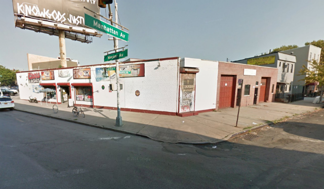 406 Manhattan Avenue, image from Google Maps