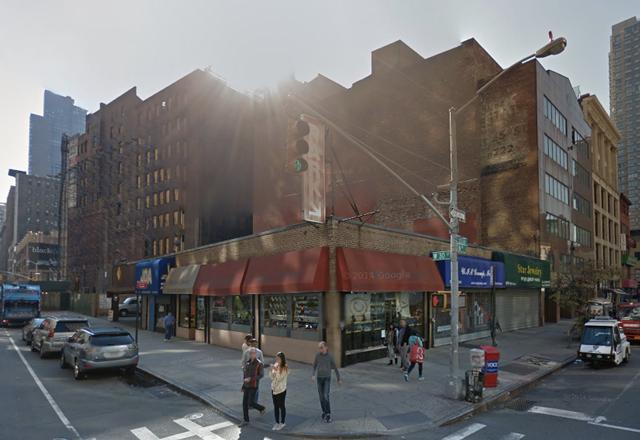 846 Sixth Avenue