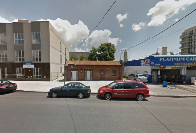2579 East 17th Street, image from Google Maps