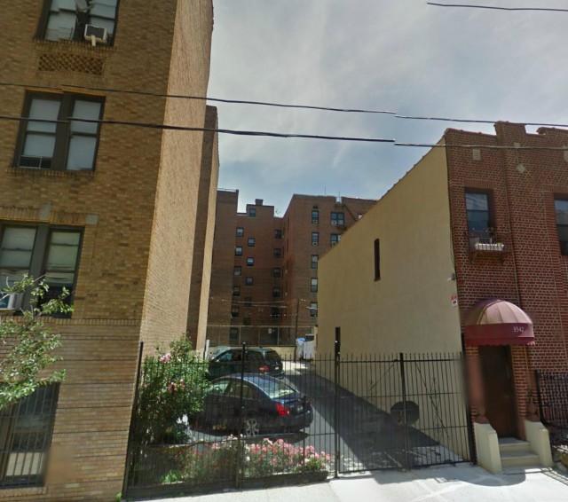 3544 Tryon Avenue