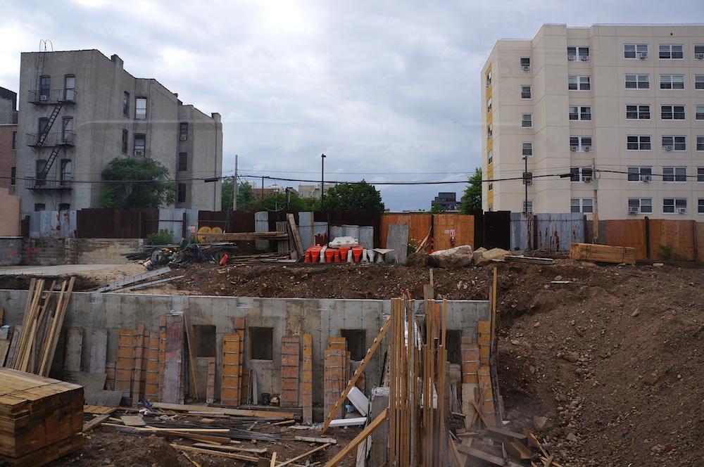 875 dekalb avenue construction 62015