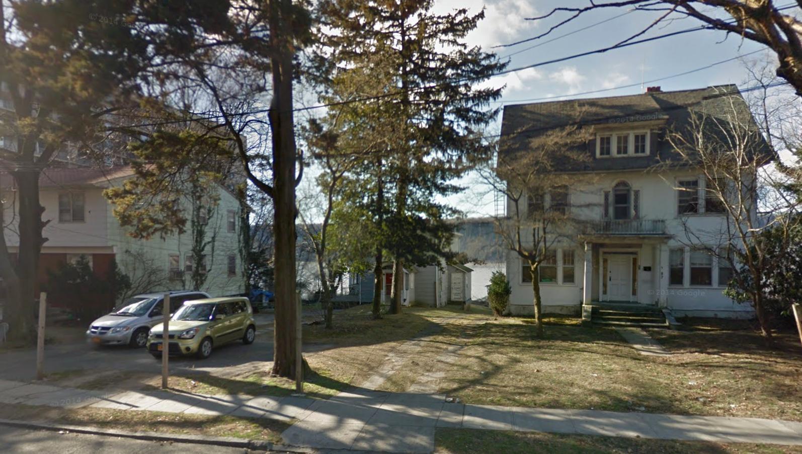 1177 Warburton Avenue