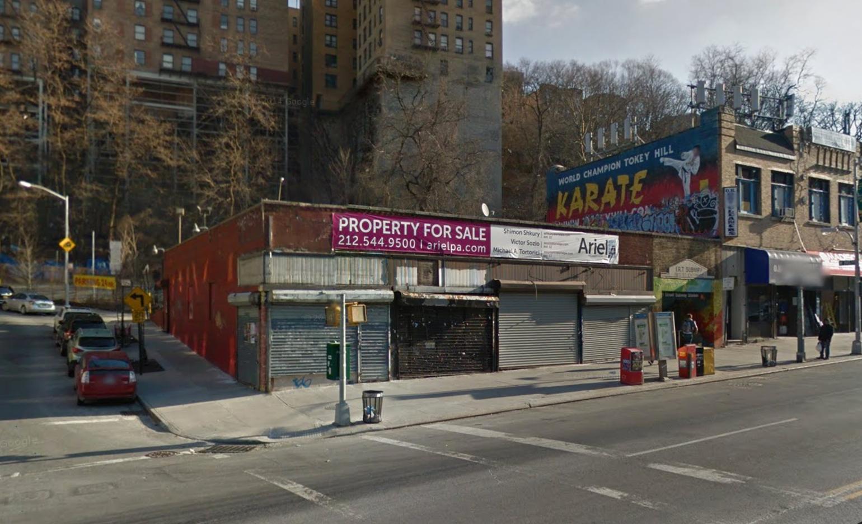 4452 Broadway