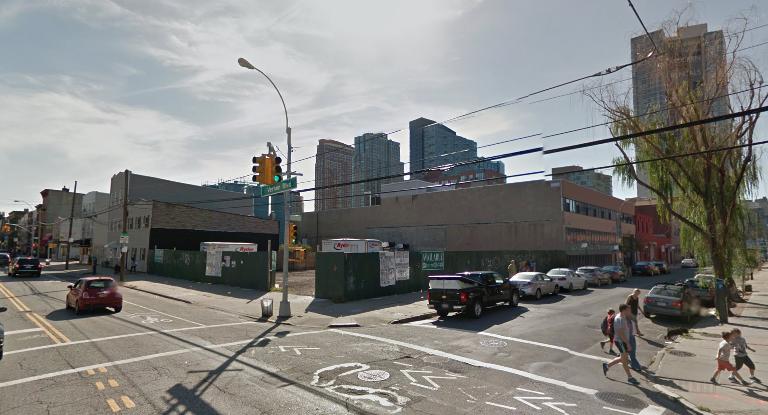 46-02 Vernon Boulevard, image via Google Maps