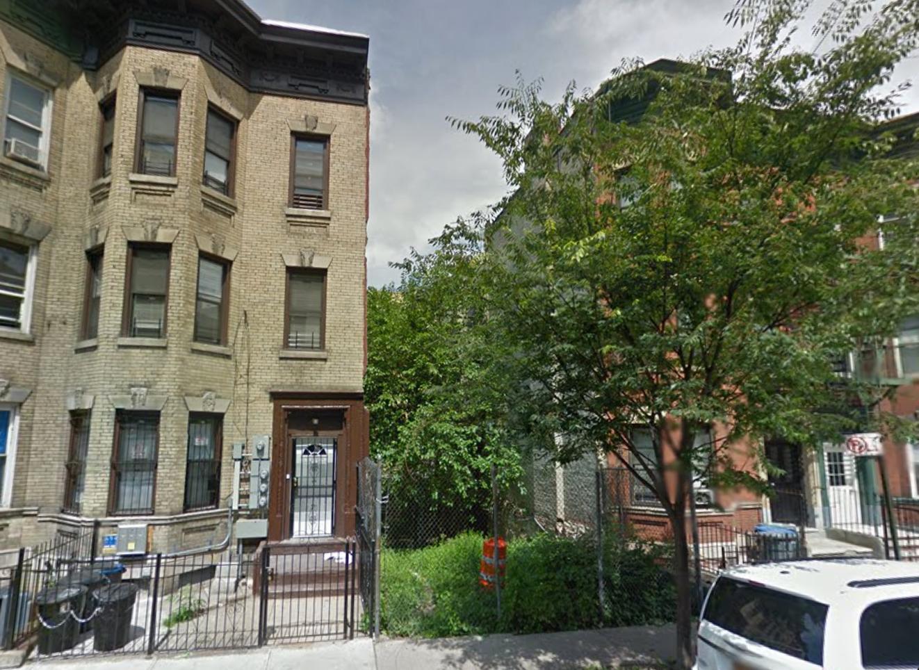 1067 Teller Avenue