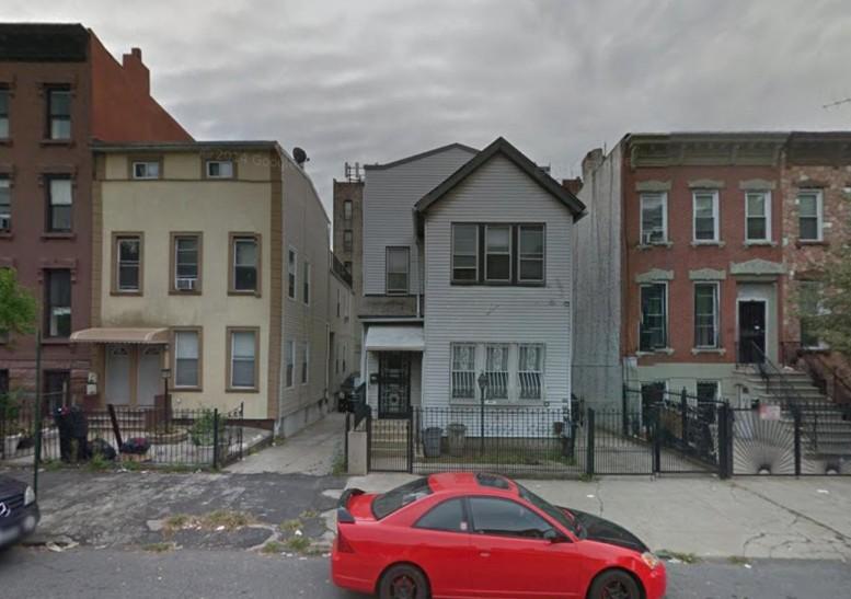 490 Van Buren Street