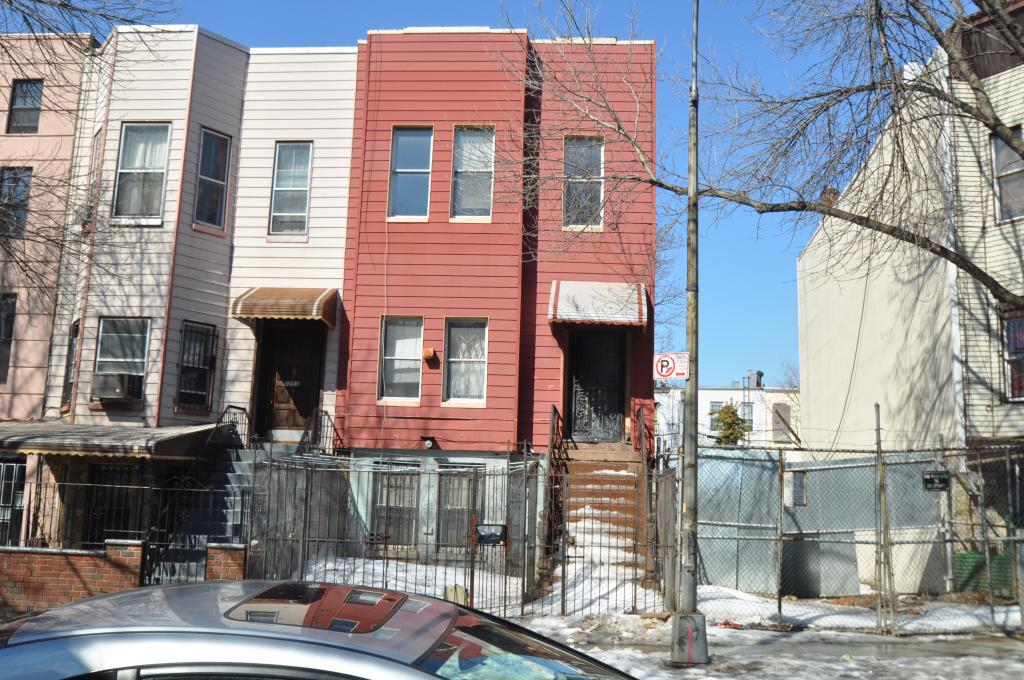1257 Jefferson Avenue in March 2015. photo by Christopher Bride for PropertyShark