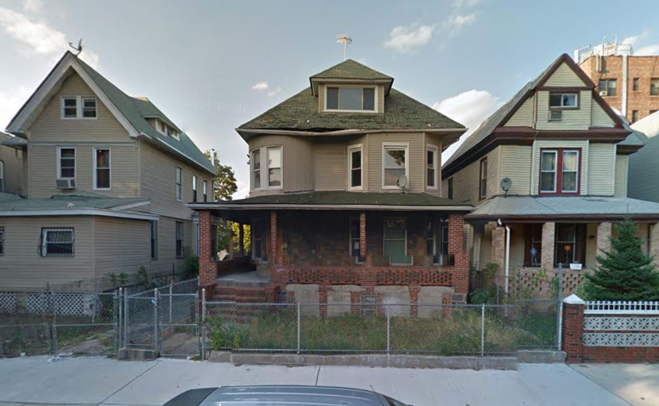 235 Hawthorne Street