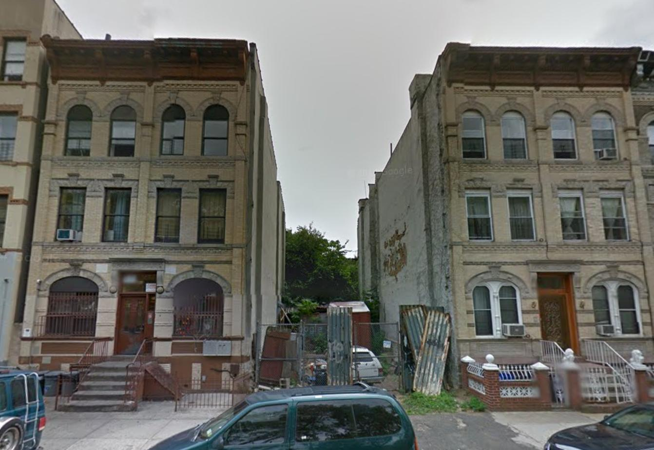 462 Madison Street