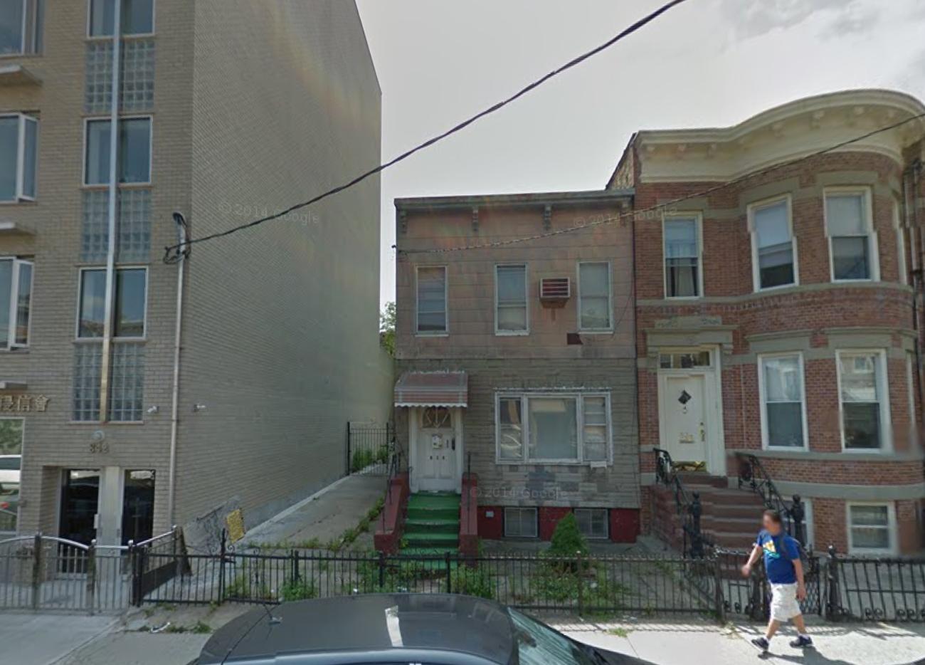 838 41st Street