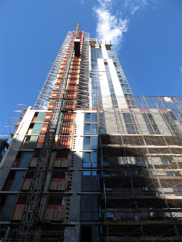 Hyatt House at 101 West 28th Street: Looking up the south façade from West 28th Street