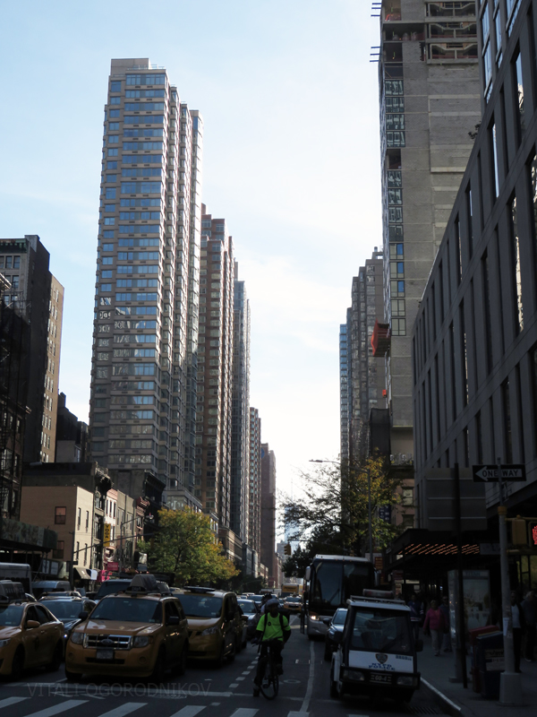 Looking south from West 30th Street and 6th Avenue