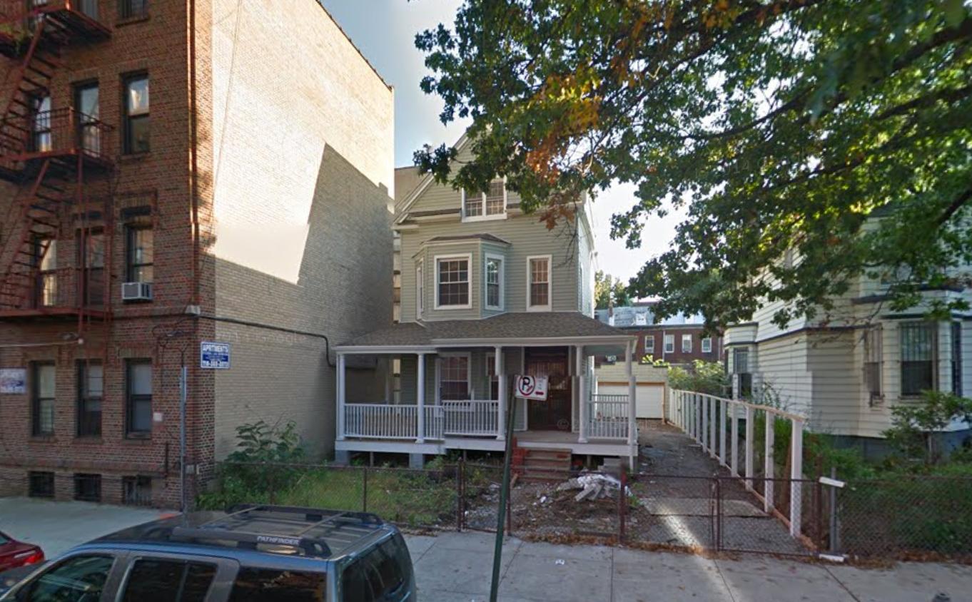 242 Hawthorne Street