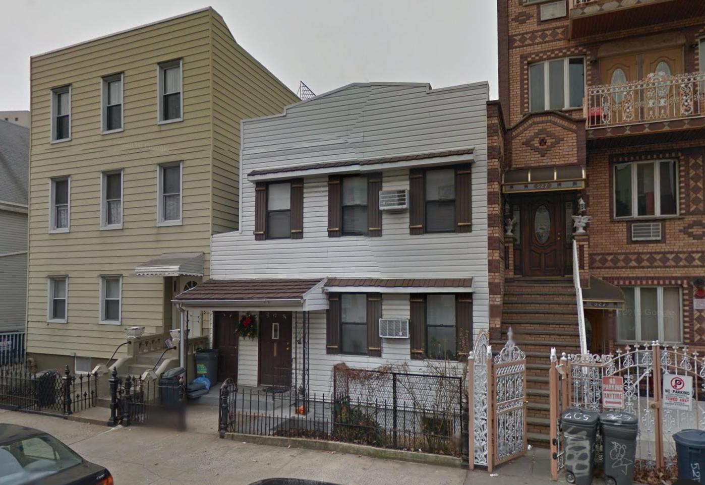 525 Leonard Street