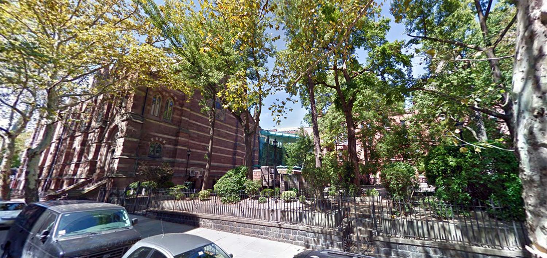 Packer Collegiate Institute campus. Photo via Google Maps.