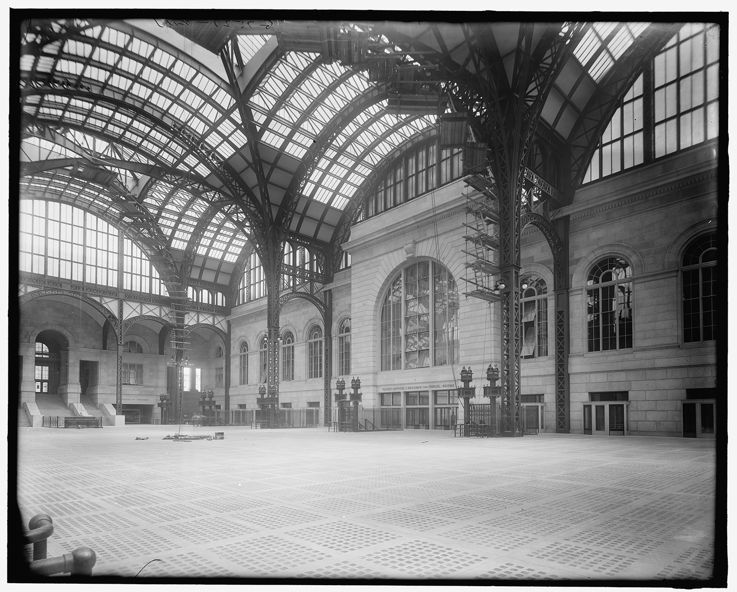 Penn Station. Photo via Library of Congress.