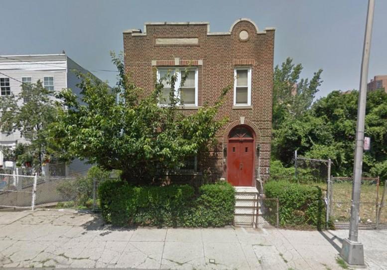 1645 Popham Avenue