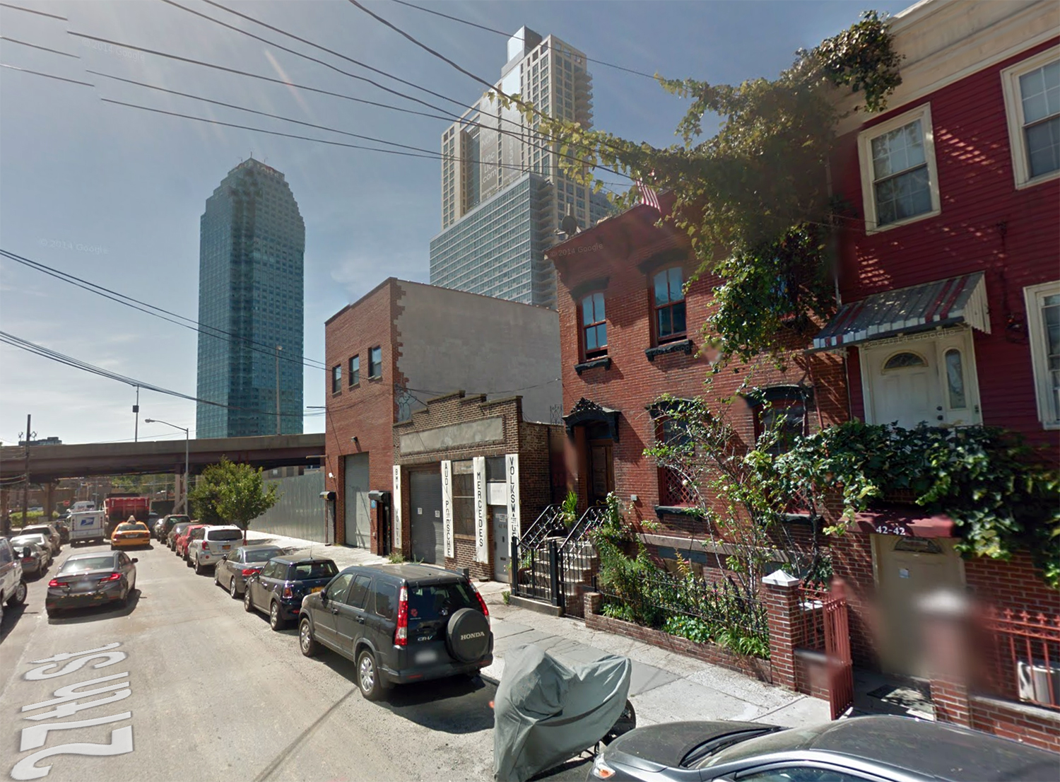 42-50 27th Street, September 2014. Via Google Maps.