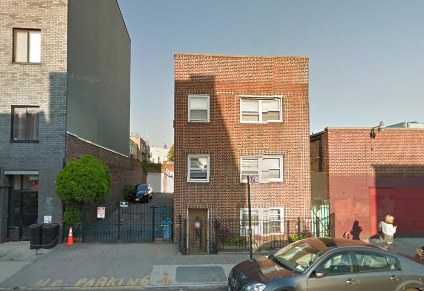 490 Lorimer Street