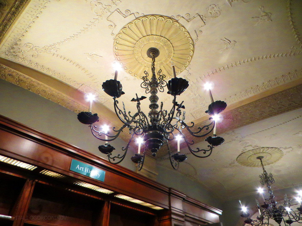 IMG_5077-rizzoli-w-57th-chandelier-ceiling-small-wmark
