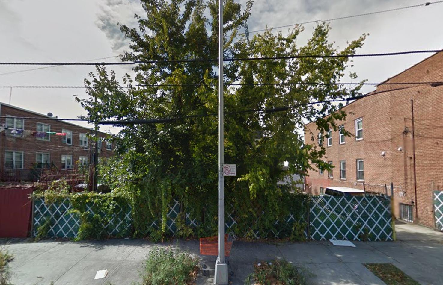 2370 West 11th Street