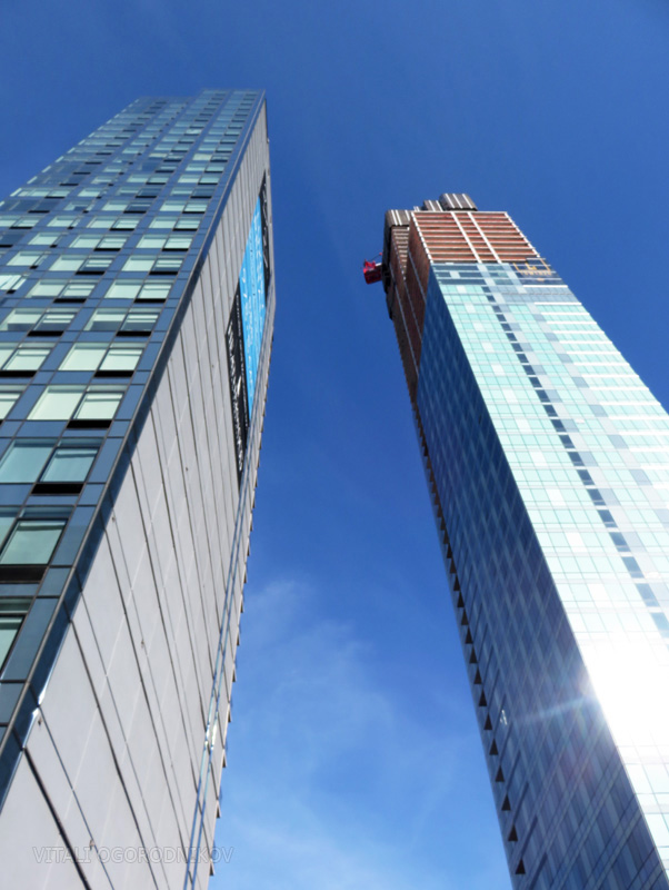 27 on 27th is on the left; Tower 28 is on the right