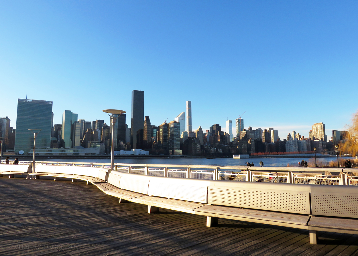 IMG_8874-LIC-Hunters-Point-waterftont-Midtown-skyline-small-wmark