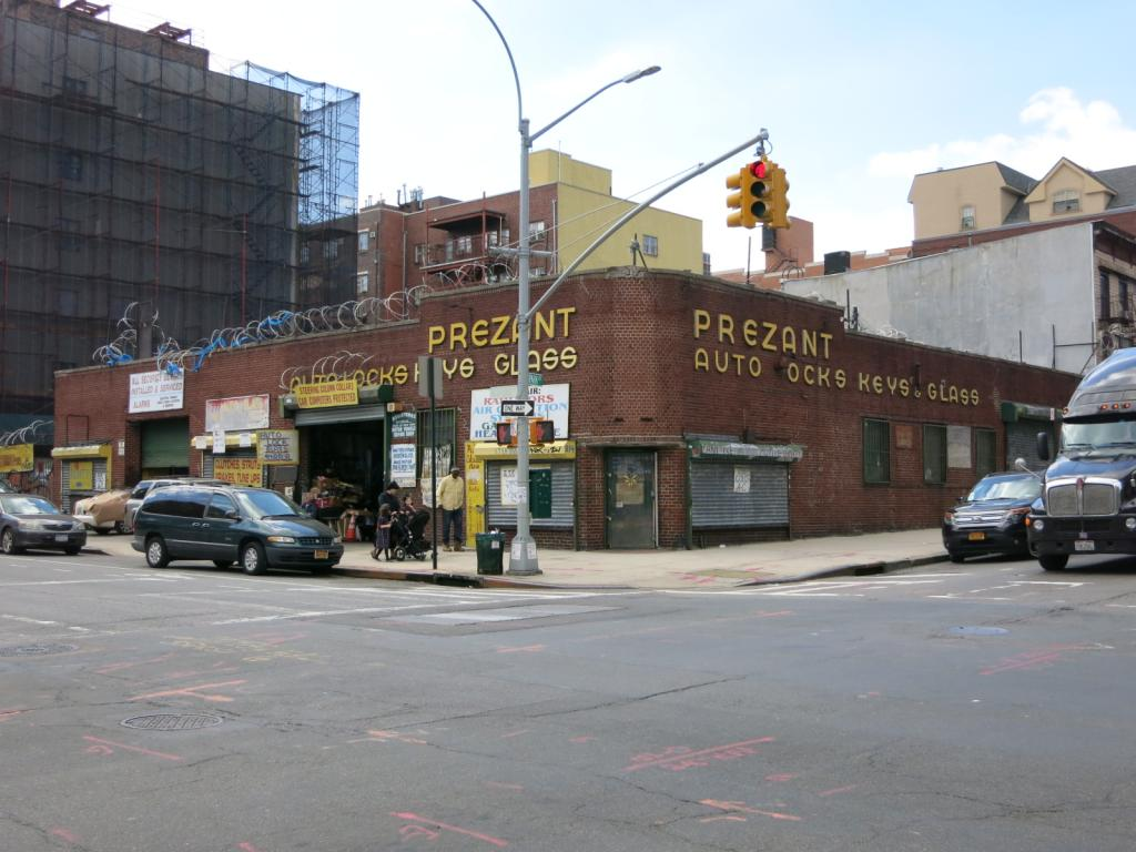 484 Park Avenue, photo by Joe Strini for PropertyShark