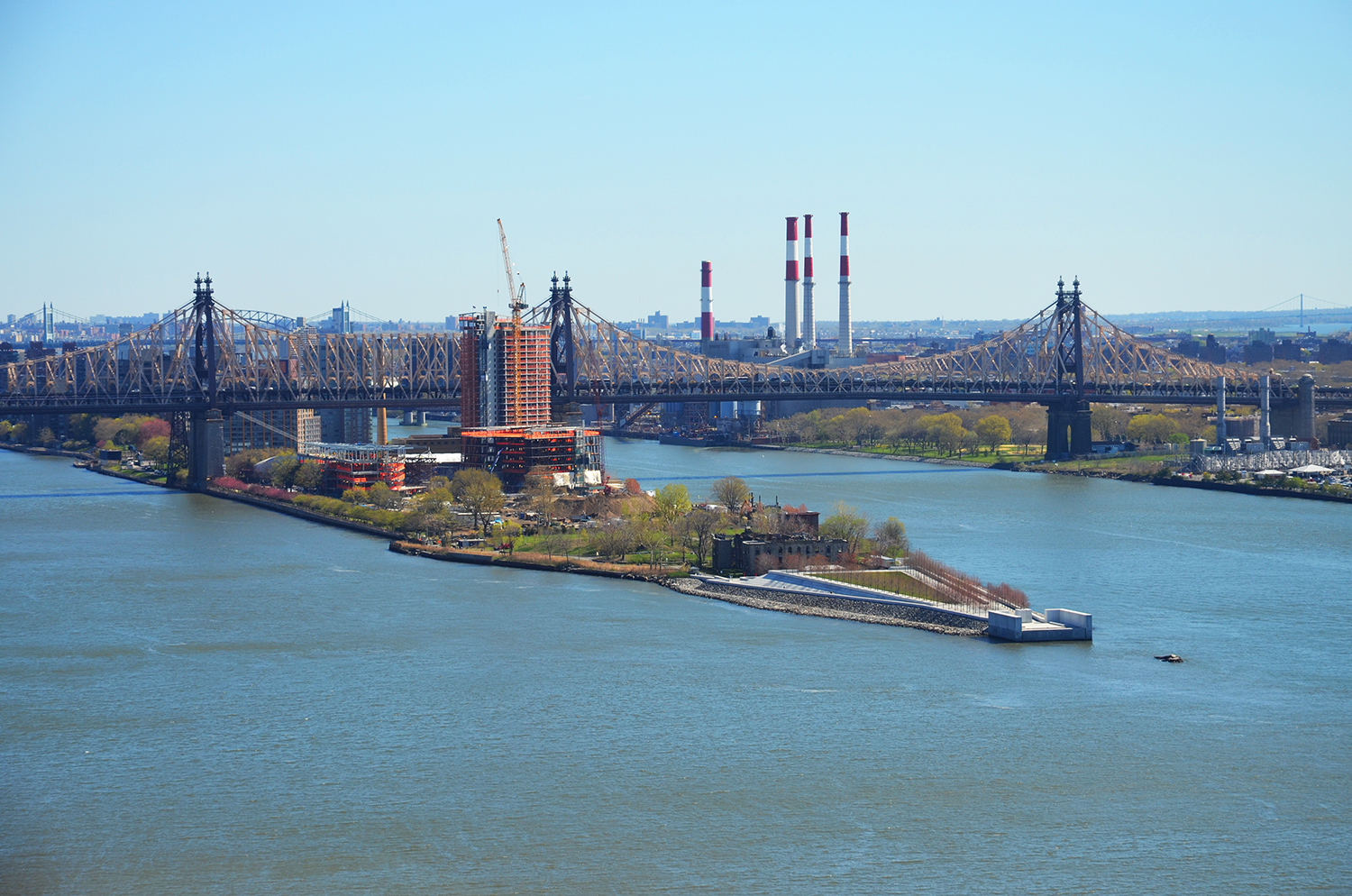 View of Roosevelt Island and the Queensboro Bridge from the skybridge at the American Copper Buildings