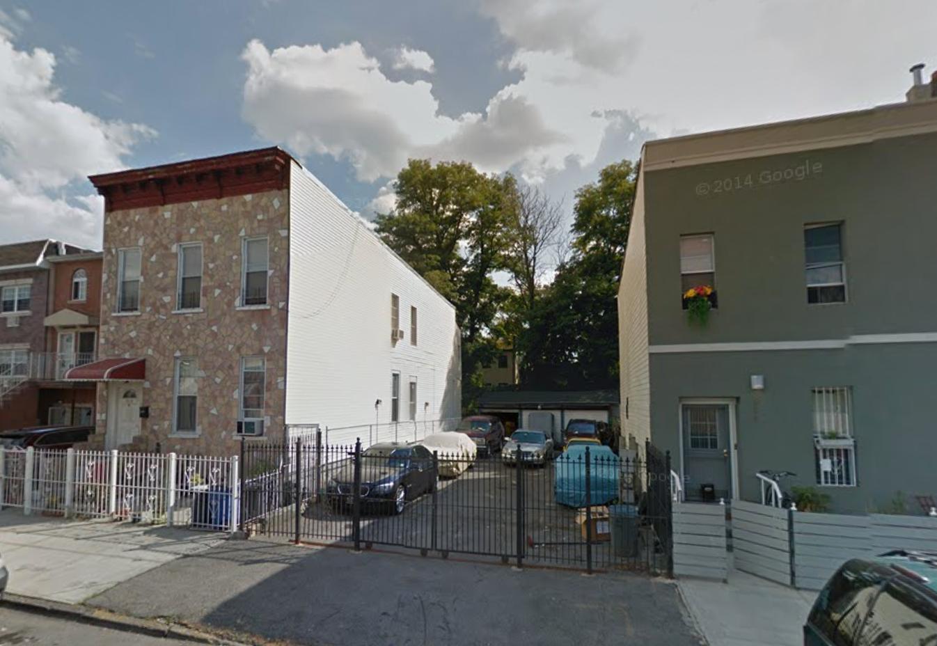 846 Monroe Street