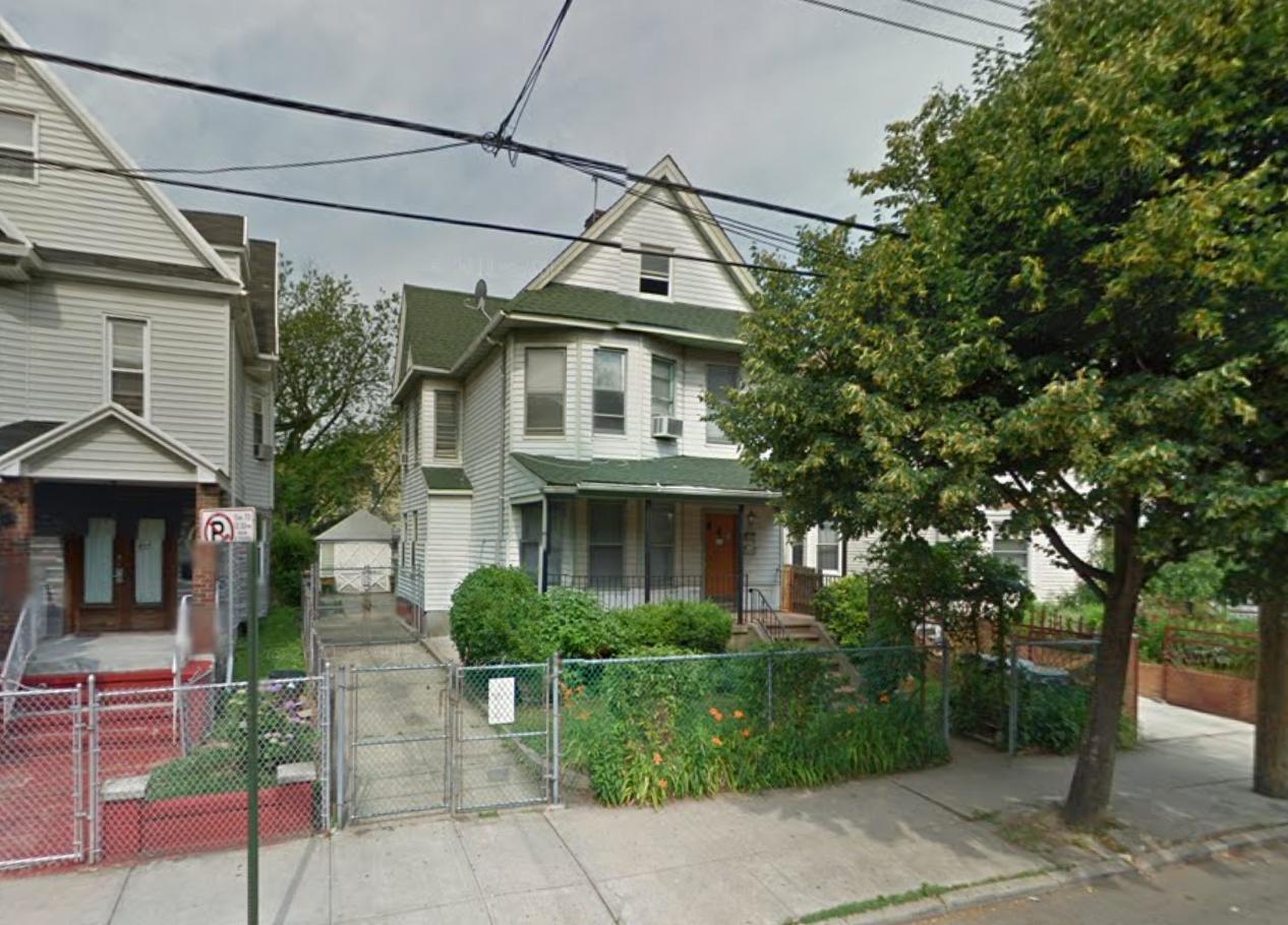 860 East 35th Street
