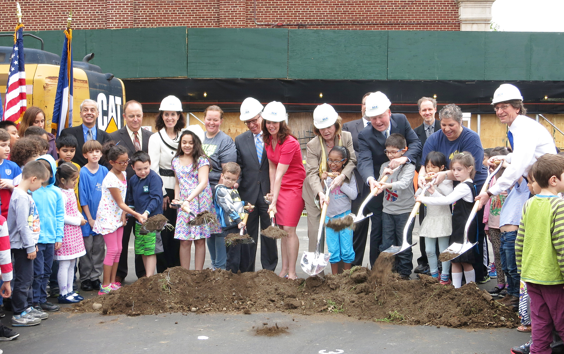 Groundbreaking for P.S./I.S. 49 expansion. Photo by Peter Wilk/Wilk Marketing Communications
