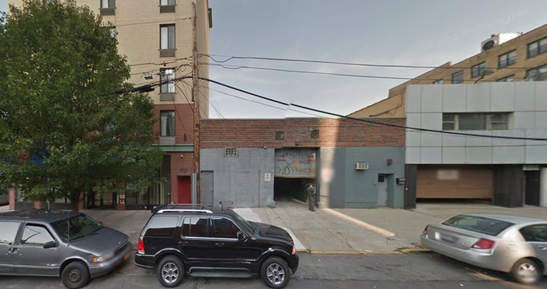 42-22 Crescent Street, image via Google Maps