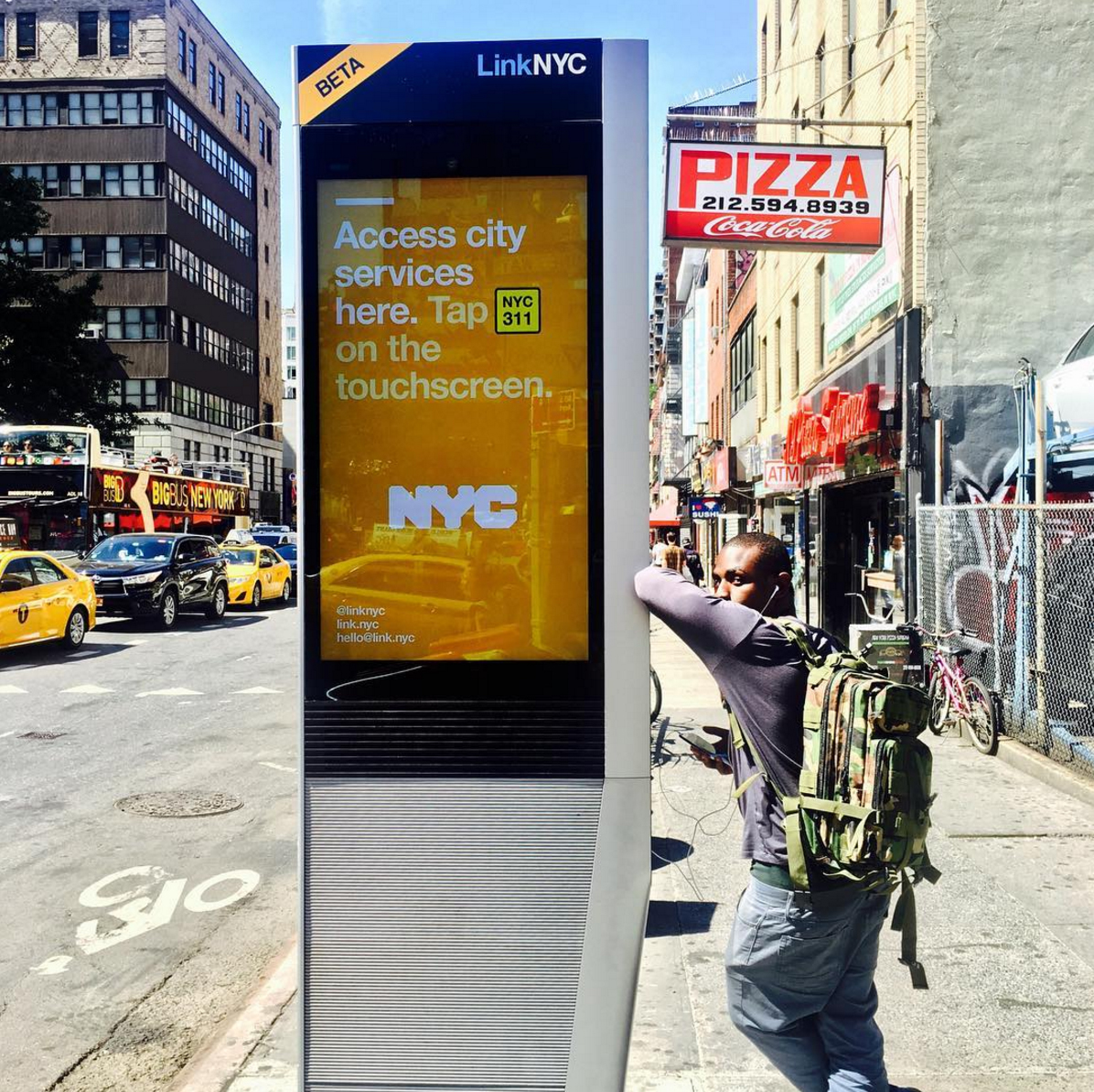 A LinkNYC kiosk. Credit: @linknycofficial on Instagram
