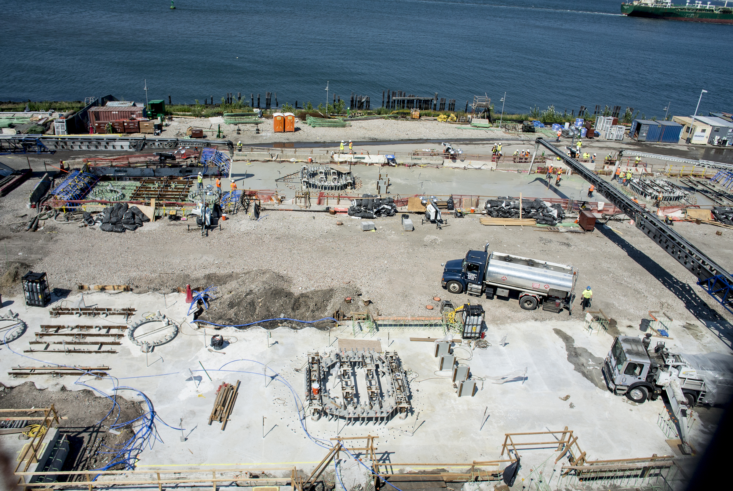 An overhead shot of the New York Wheel site. photo by Jay Fine for the New York Wheel