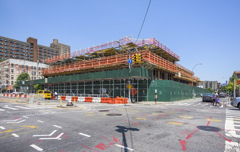 Essex Crossing's 15-Story, 211-Unit Mixed-Use Building Rises at 145 ...: newyorkyimby.com/2016/07/essex-crossings-15-story-211-unit-mixed...