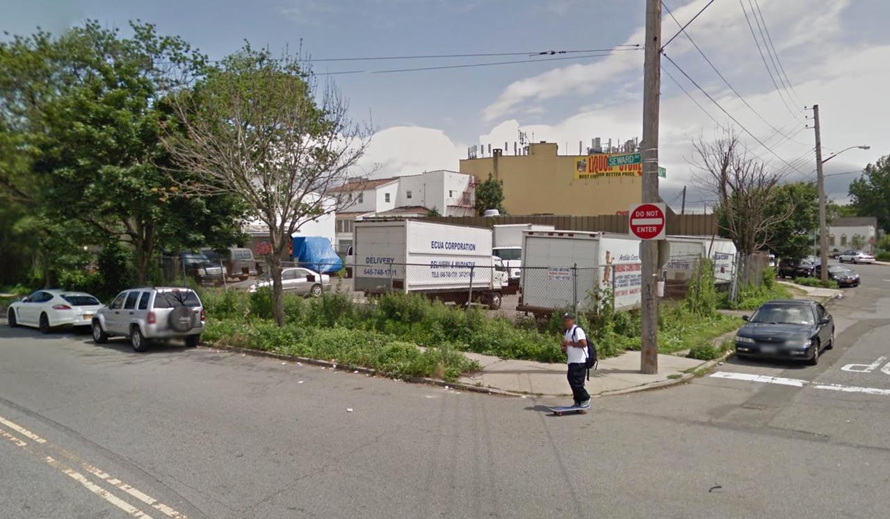1806 Seward Avenue