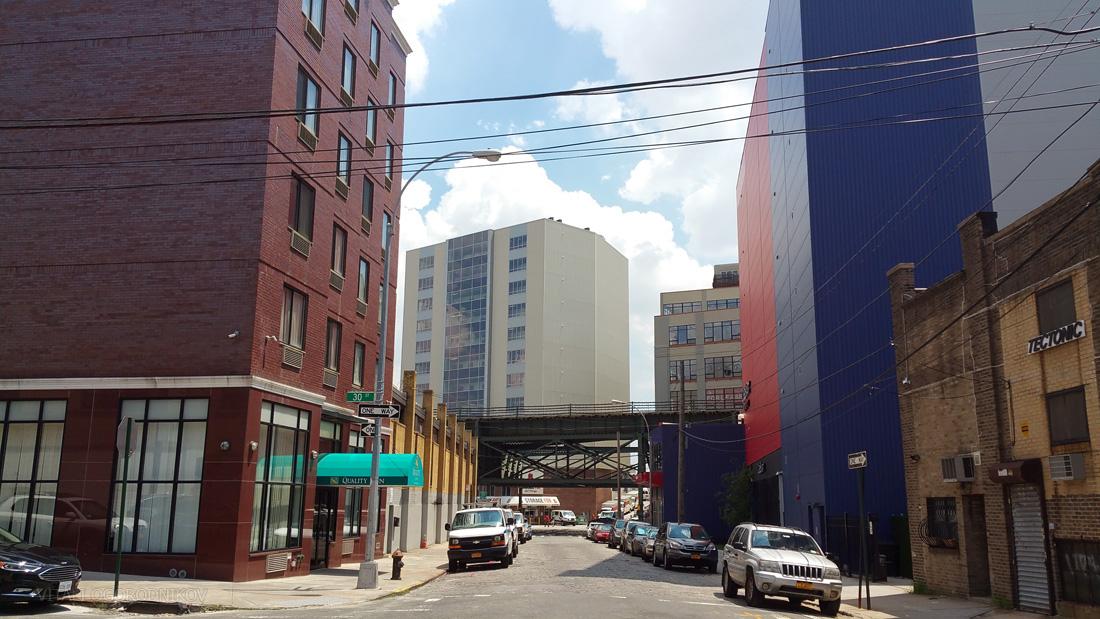 40th Avenue, looking east towards Northern Boulevard