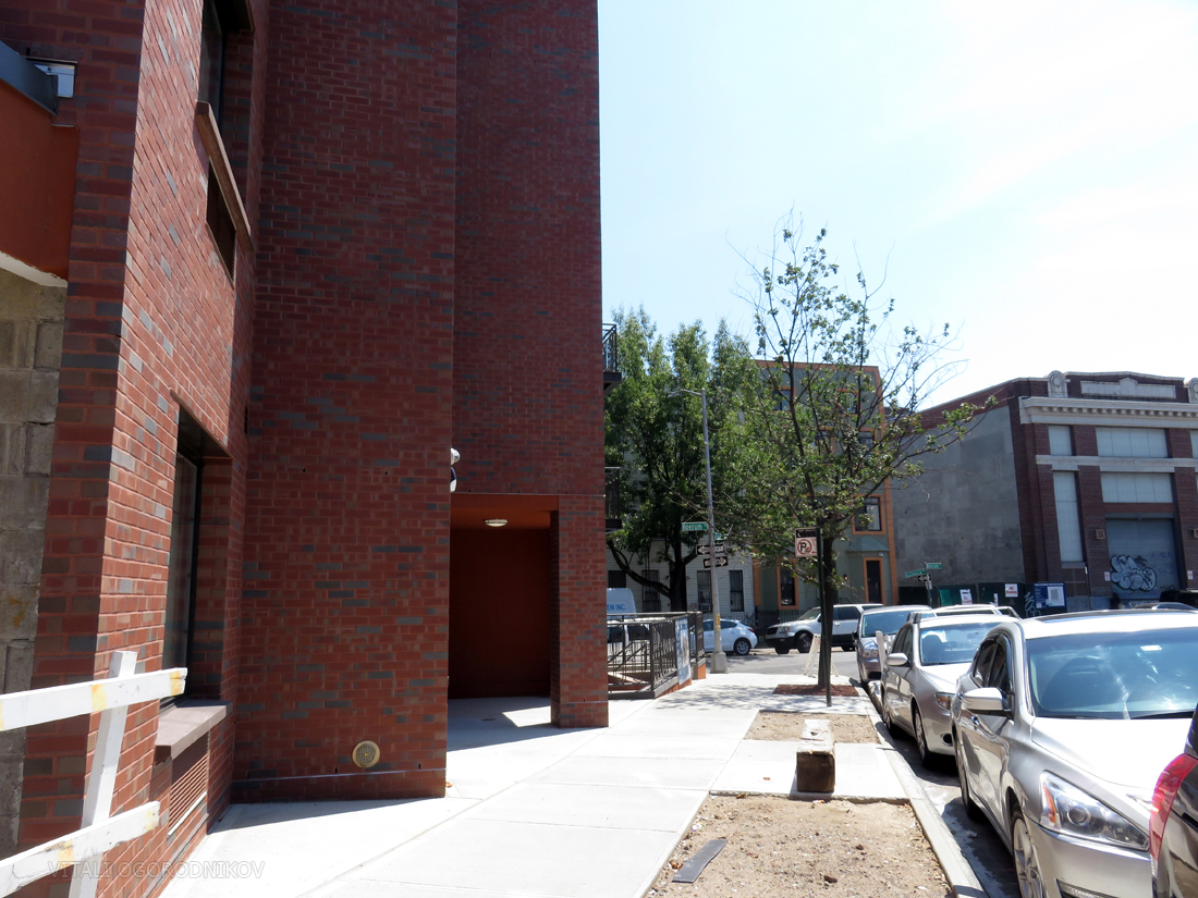 IMG_5688-83-Bushwick-Place-tothesw-small-wmark