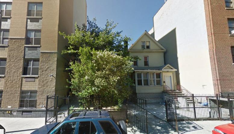 222 and 226 Echo Place, image via Google Maps