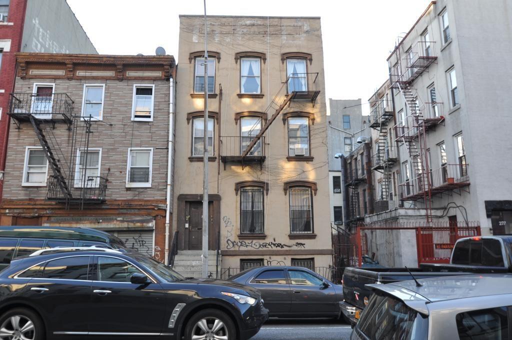 223 Manhattan Avenue