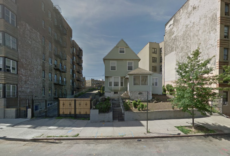 2880 Jerome Avenue, image via Google Maps